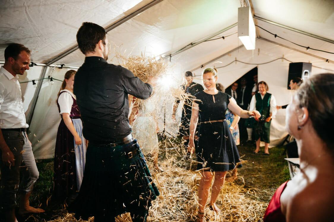 Hochzeitsfotograf Hochzeit Alm Berge Obersteiermark Vintage Tom Schuller 78