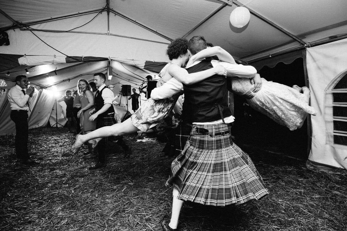 Hochzeitsfotograf Hochzeit Alm Berge Obersteiermark Vintage Tom Schuller 85