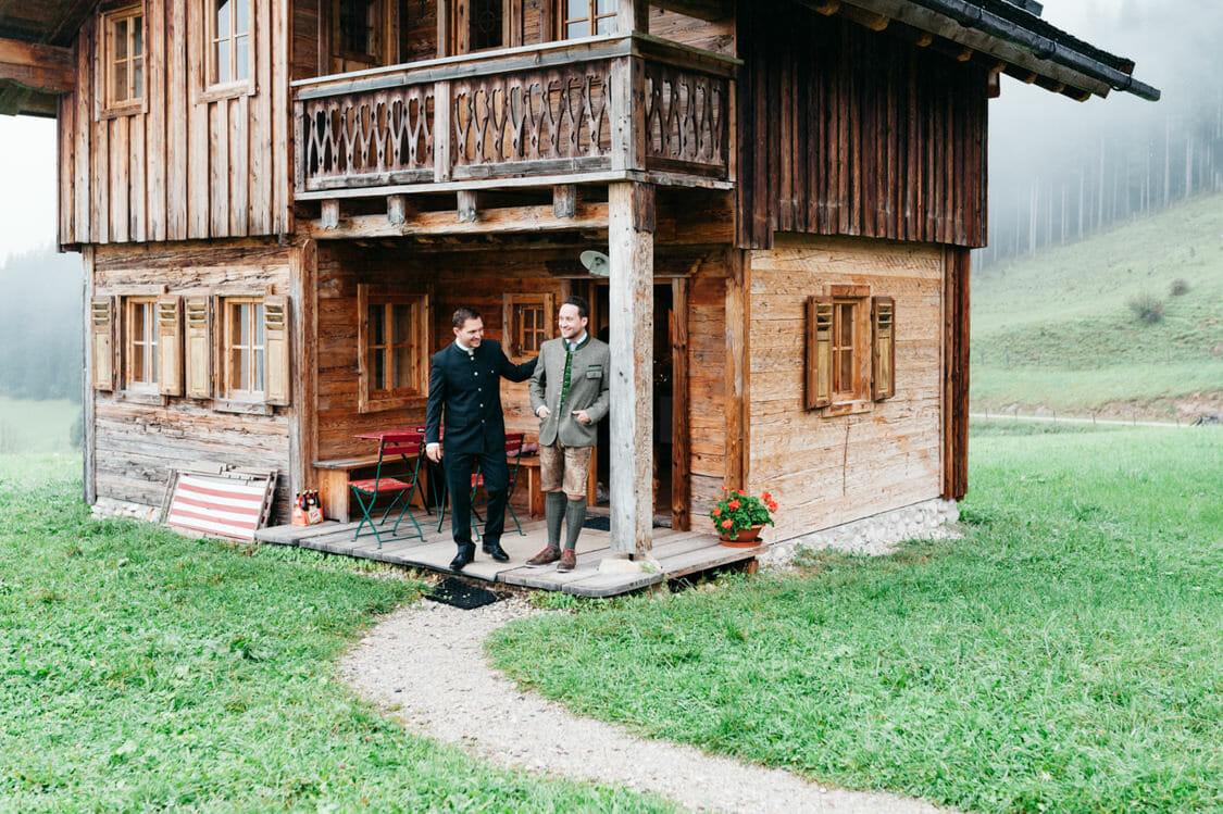 Hochzeitsfotograf Salzburg Abtenau Sonnleitn Bauernhof Tracht Lederhose Dirndl 010