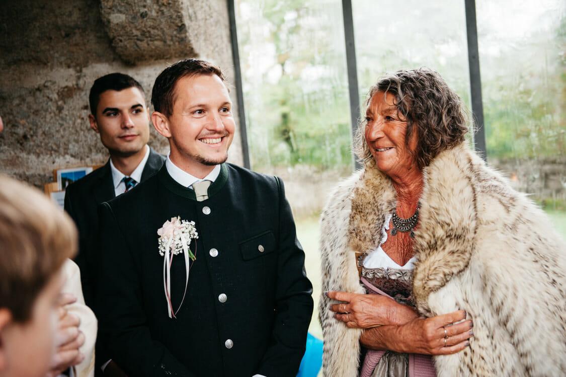 Hochzeitsfotograf Salzburg Abtenau Sonnleitn Bauernhof Tracht Lederhose Dirndl 026
