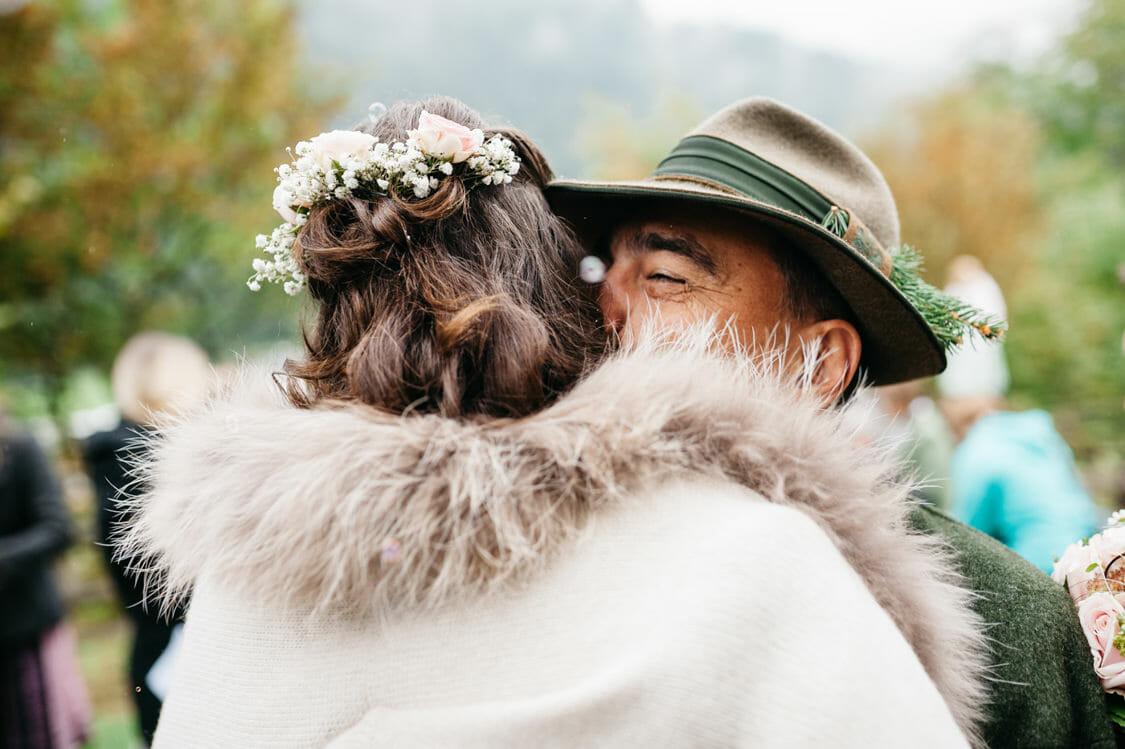Hochzeitsfotograf Salzburg Abtenau Sonnleitn Bauernhof Tracht Lederhose Dirndl 040