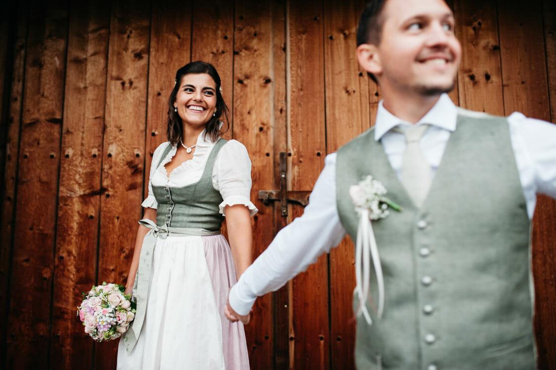 Hochzeitsfotograf Salzburg Abtenau Sonnleitn Bauernhof Tracht Lederhose Dirndl 056