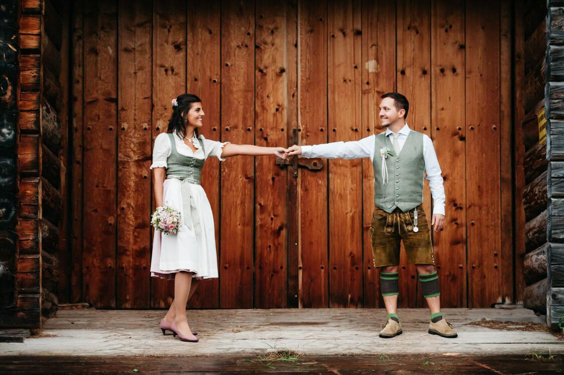 Hochzeitsfotograf Salzburg Abtenau Sonnleitn Bauernhof Tracht Lederhose Dirndl 058